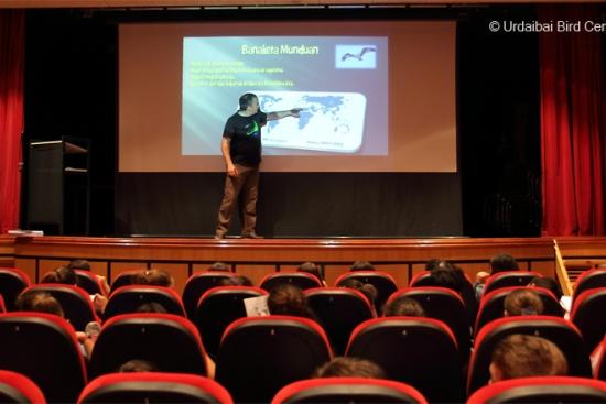 Urdaibai Bird Center-ek arrano arrantzaleari buruzko hitzaldiak amaitu ditu Urdaibain eta WOW Euskadi-n